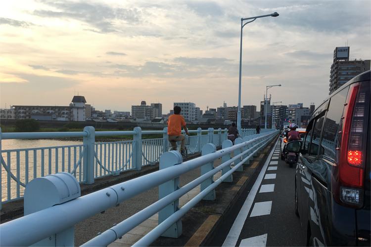 淀川大橋の歩道