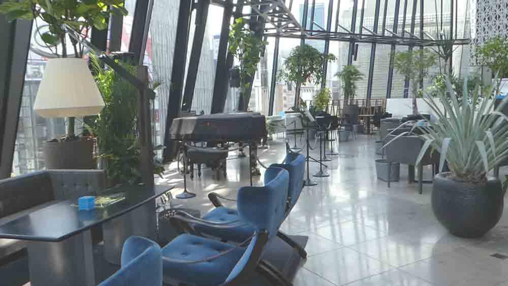THE GREEN Cafe American Express×数寄屋橋茶房の会員専用特別席とサロンコンサートのピアノ