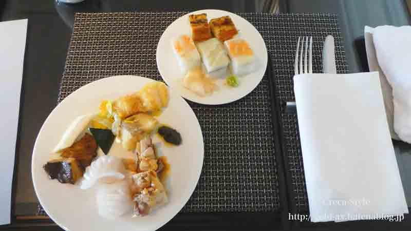 ザ・リッツ・カールトン大阪のクラブラウンジ 昼食のフードプレゼンテーション