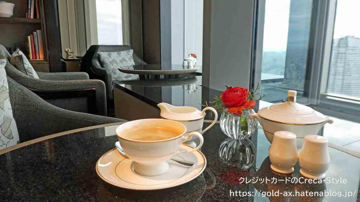 ファイン・ホテル・アンド・リゾート ザ・リッツ・カールトン東京宿泊記 クラブラウンジ