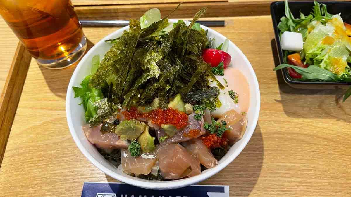 道の駅 海の京都 宮津 HAMAKAZE Cafeでポキ丼