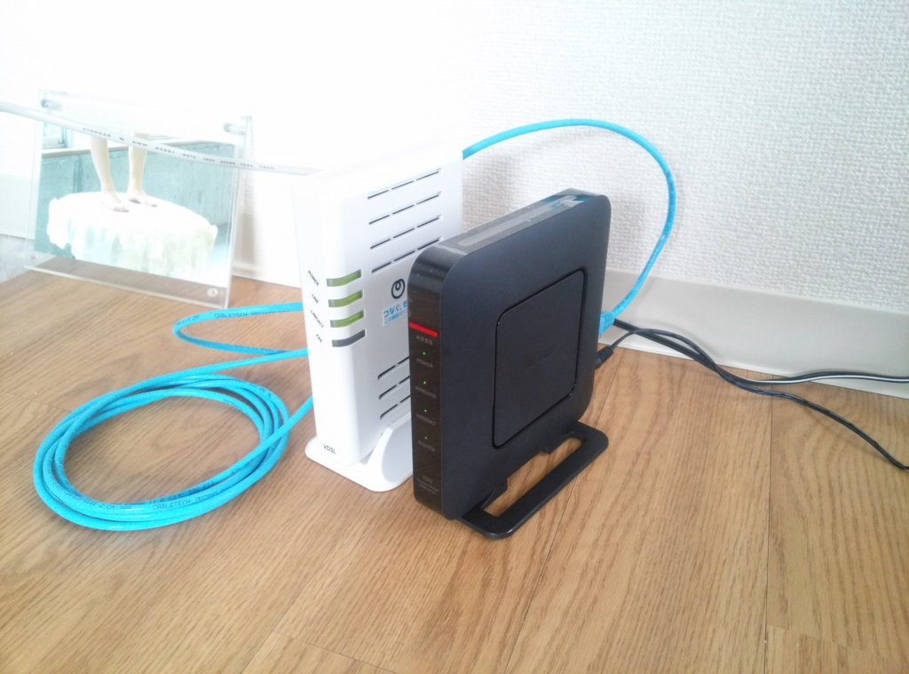VDSL装置(フレッツ光ネクスト)及びWi-Fi ルーター(BUFFALO WSR ...