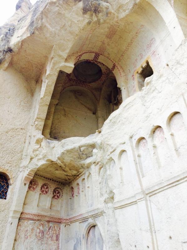 ギョロメ博物館が有料な理由は「洞窟教会」今でもわずかに残るその跡
