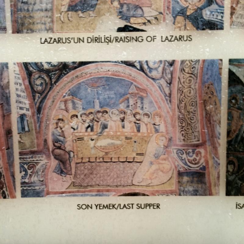 キリスト教の壁画に顔が無い理由はイスラム教の偶像崇拝禁止。