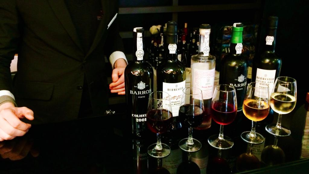 ワイナリーに行く時間なのない方でもワインショップで試飲もできます。