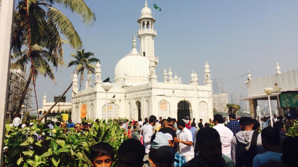 ハジ・アリ霊廟のモスク