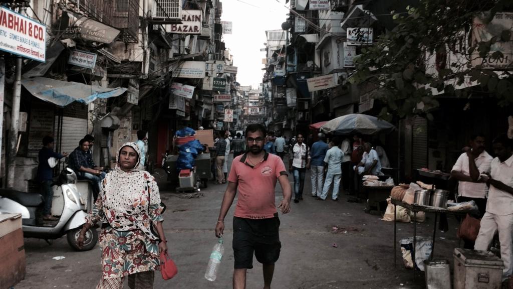ムンバイのストリート。かなり味がある。