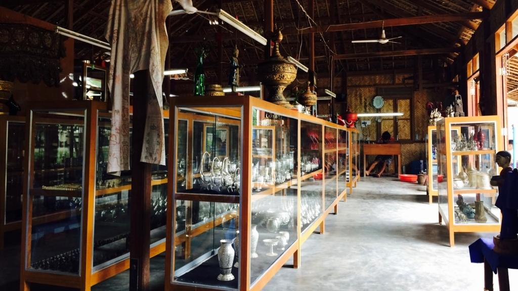 ミャンマーバガンのシルバーアクセサリー屋
