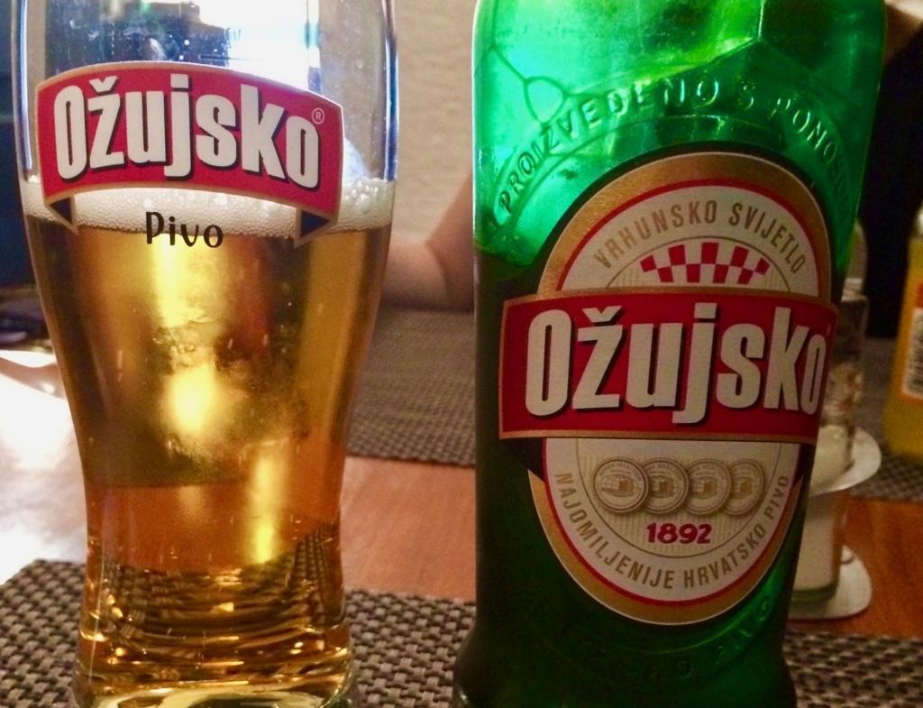クロアチアビールの「Ozujsko」