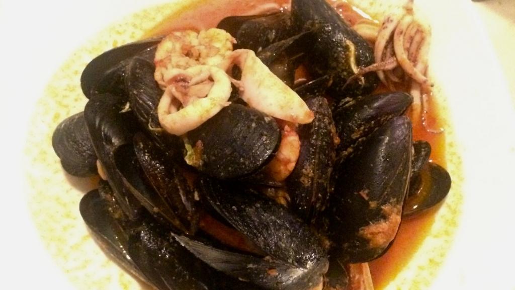 「Trattoria Tezoro」のディナー「ムール貝のパスタ」