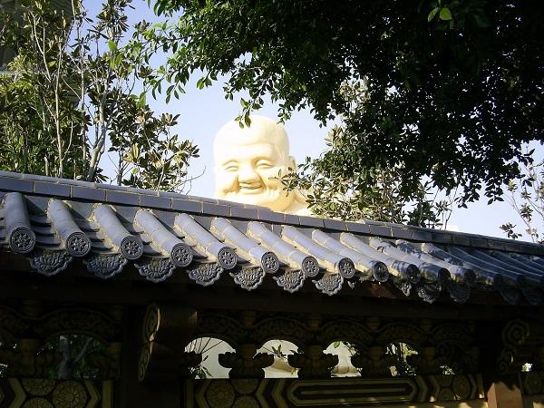 台湾台中の寶覺寺の大仏