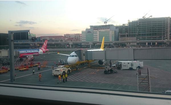 マニラニノイアキノ空港に止まるセブパシフィック航空