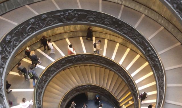 バチカン美術館の階段
