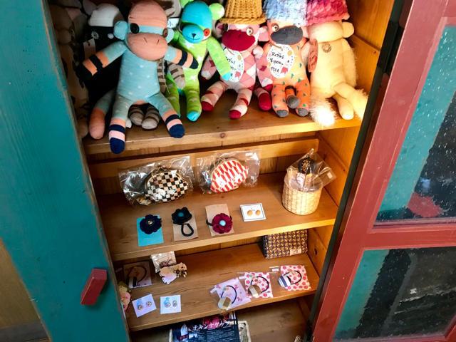 店内で販売されている雑貨類