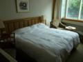 ホテルのベッド  3人寝られるね