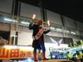 山田美樹の演説を応援するスーパーマン(マック赤坂)