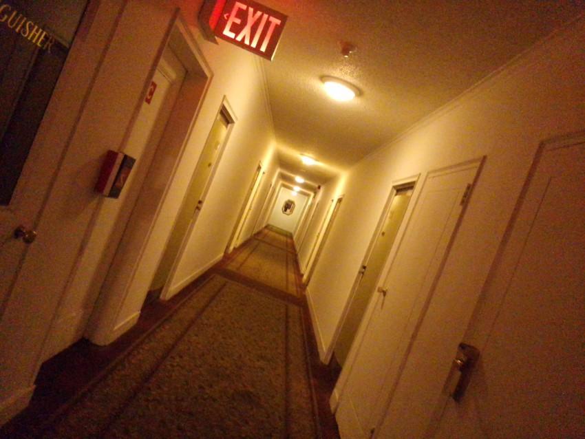 ホテルペンシルバニアの廊下