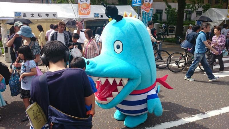 日本大通りにいたカナガワニ