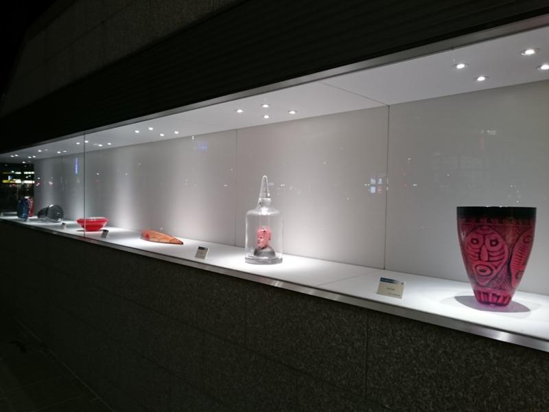 「マリエとやま」前の展示スペース
