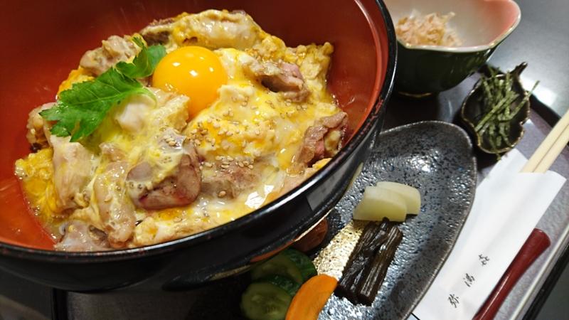 奥久慈しゃも丼「極み」の値段は税込み1800円
