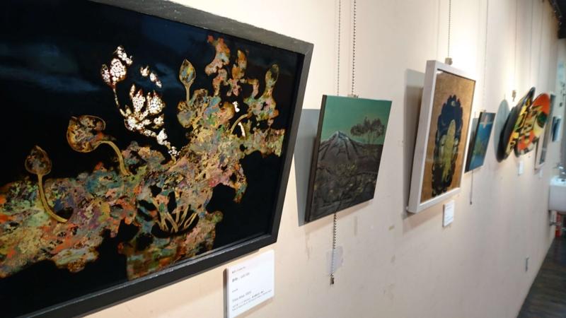 ベトナム美術大学絵画科の教員や学生の作品