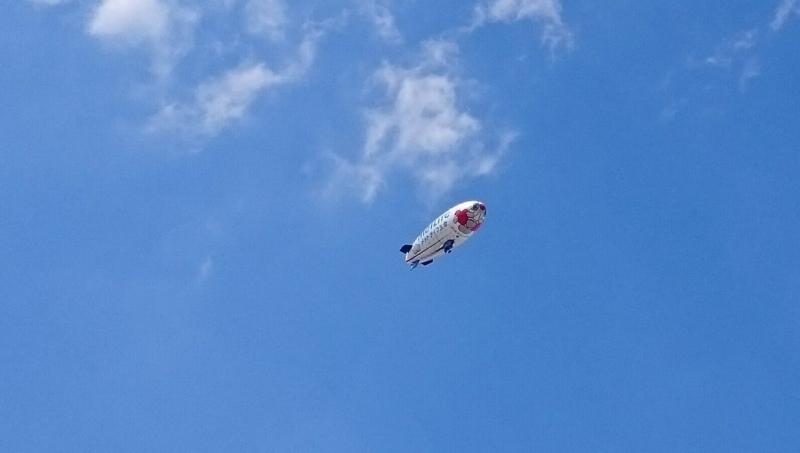 新大久保上空の飛行船