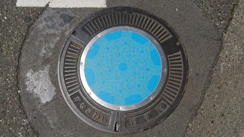 石川県金沢市のマンホール(加賀水引)