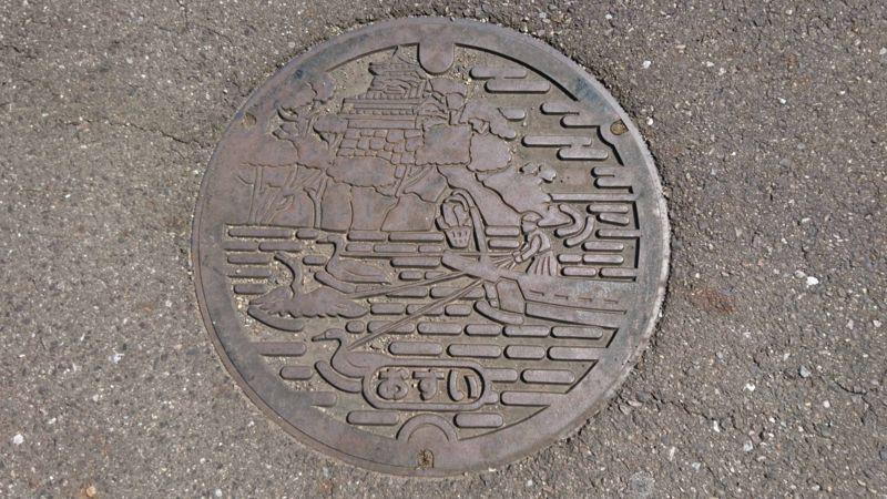 愛知県犬山市のマンホール(犬山城、木曽川の鵜飼い)