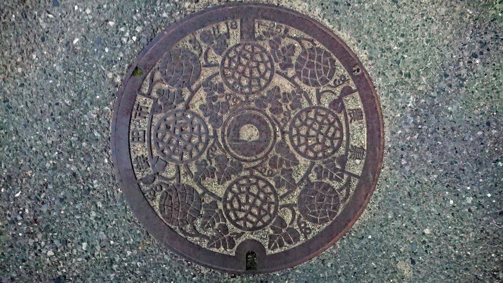 茨城県鉾田市のマンホール(メロン)