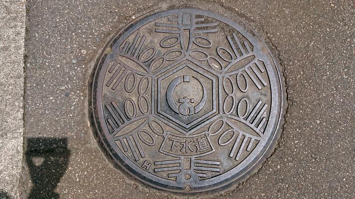 新潟県南魚沼市のマンホール(旧塩沢町、雪の結晶)