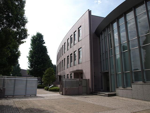 東京都共学-早実校舎