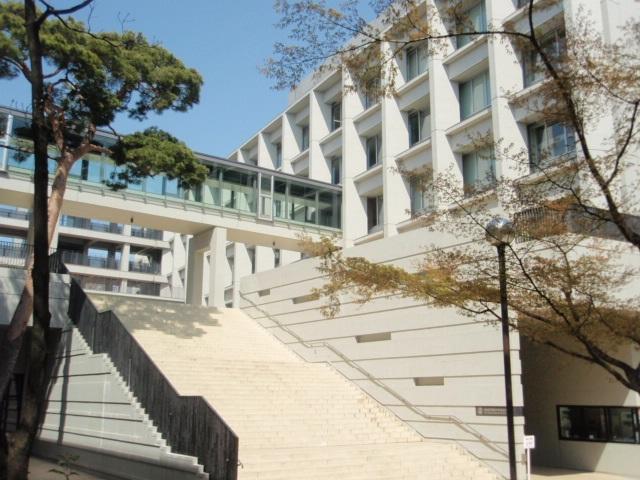 東京都共学-成城学園校舎