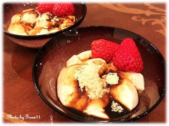 豆腐にモラセスときな粉をかけて和スイーツ風に
