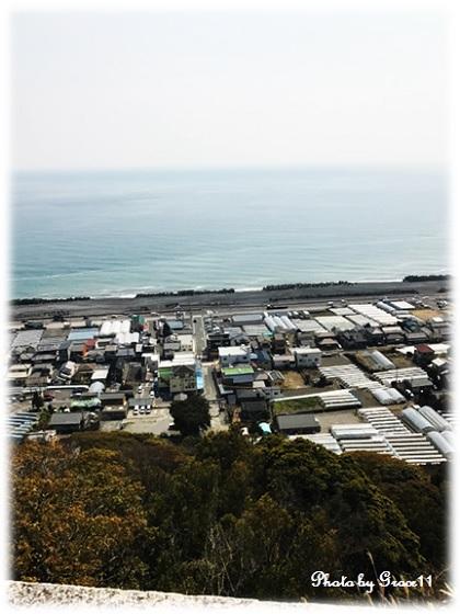 久能山一ノ門から見渡す駿河湾