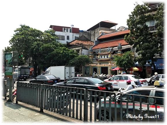 Long Bien の街 車渋滞