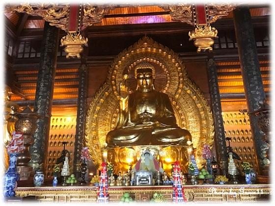 バイディン寺☆釈迦仏殿に祀られている釈迦如来金銅像