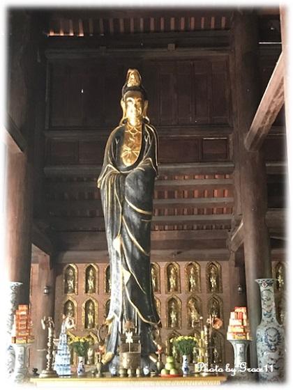 バイディン寺☆観世音殿に祀られている木像の観音菩薩