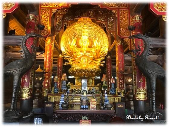 バイディン寺☆観世音殿に祀られている千手千眼観音像