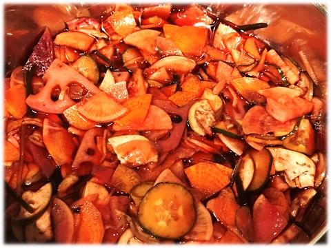 手作り福神漬け☆煮詰まった汁に野菜を漬け込む