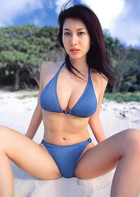 小林恵美 水着 ビキニ