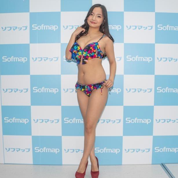 山本有紗 小麦色のマーメイド ビキニ ソフマップイベント 画像