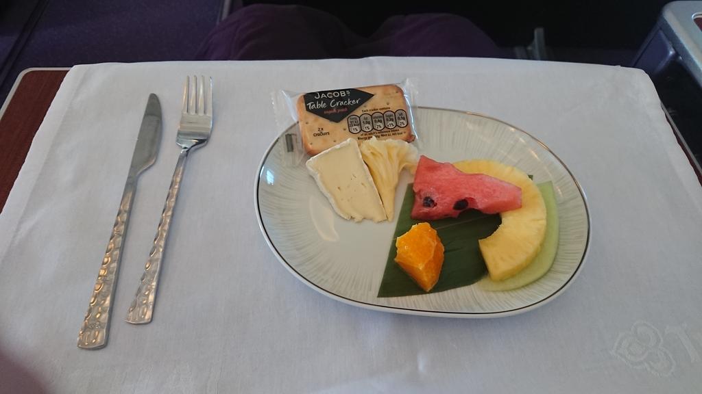 タイ国際航空 TG683便 B747 ビジネスクラス 機内食 羽田 スワンナプーム国際空港