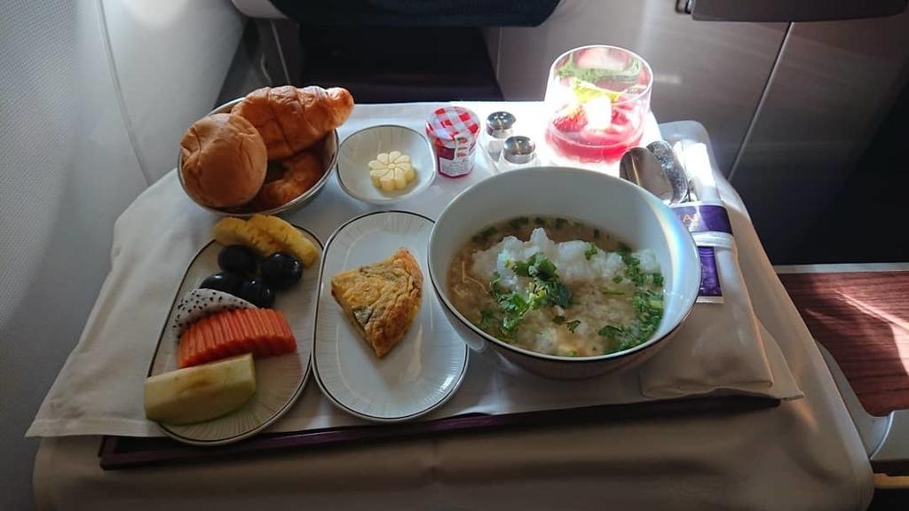 タイ国際航空 TG481便 ビジネスクラス 機内食 A330-300 バンコク パース