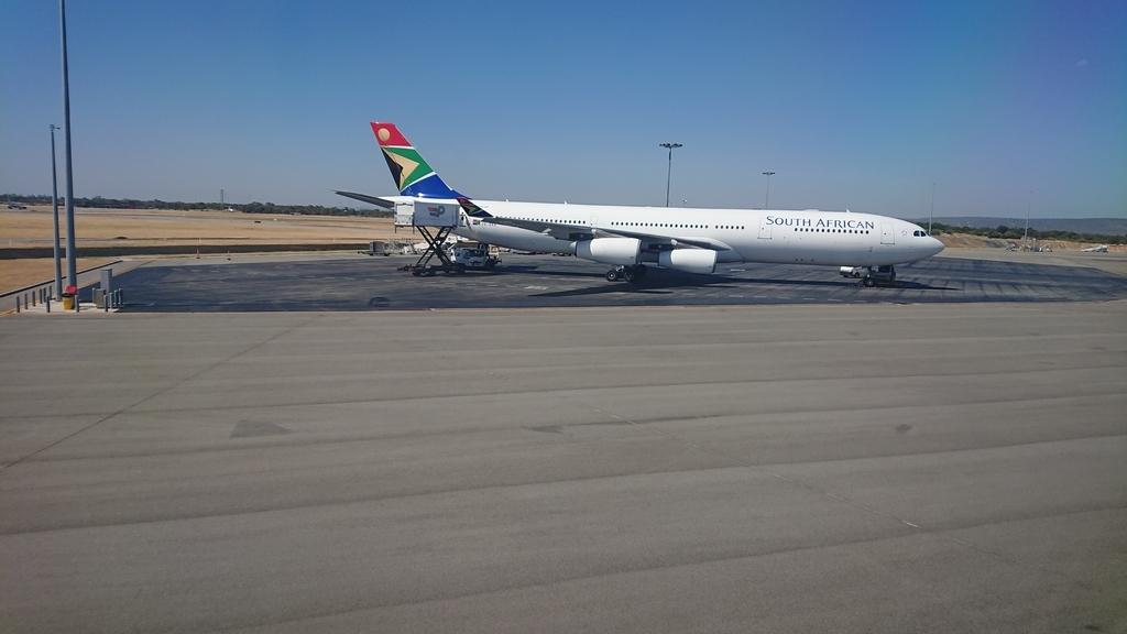 タイ国際航空 TG481便 パース空港 サウスアフリカ航空