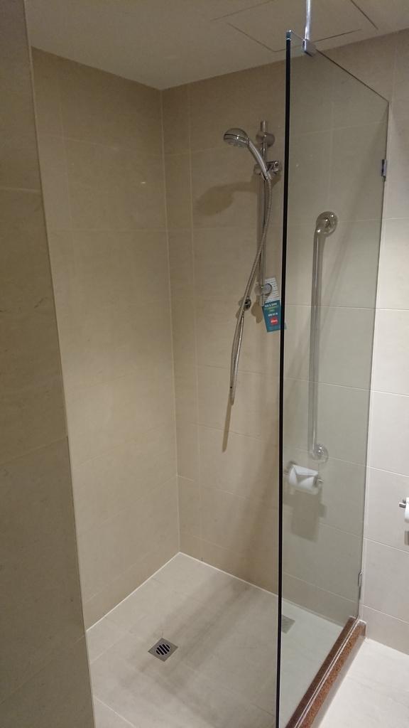 フォーポイントバイシェラトン パース フォーポイントバイシェラトンパース シャワー シャワールーム