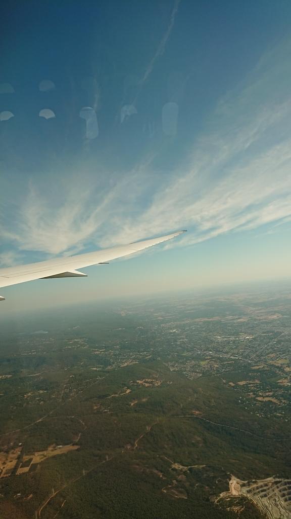 カンタス航空 QF10便 エコノミークラス 機内からの景色 パース メルボルン