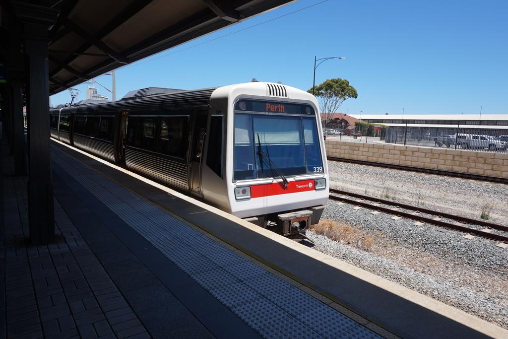 パース トランスパース 公共交通機関 交通機関 電車 フリーマントルライン フリーマントル線