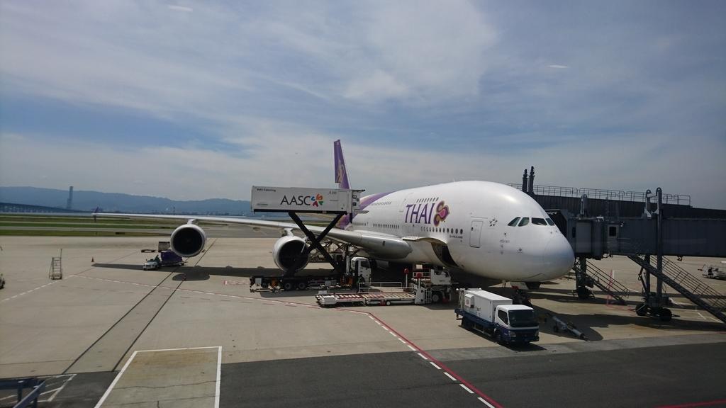 タイ国際航空 TG623便 A380 ビジネスクラス ロイヤルシルククラス 関西国際空港 バンコク