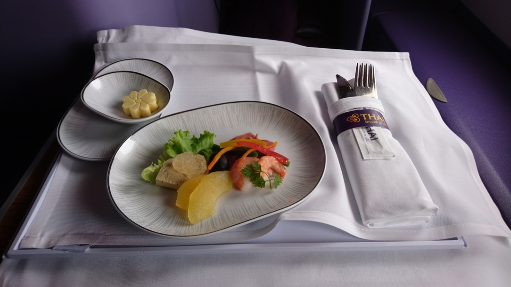 タイ国際航空 TG623便 A380 ビジネスクラス ロイヤルシルククラス 関西国際空港 バンコク 機内食