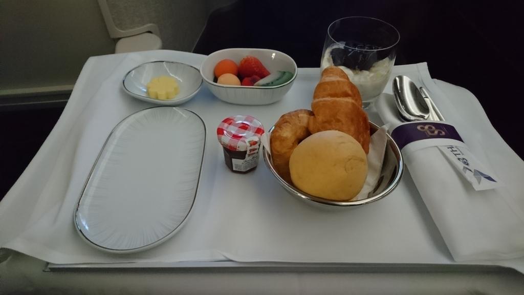 タイ国際航空 ロイヤルシルククラス ビジネスクラス A350-900 機内食 バンコク メルボルン